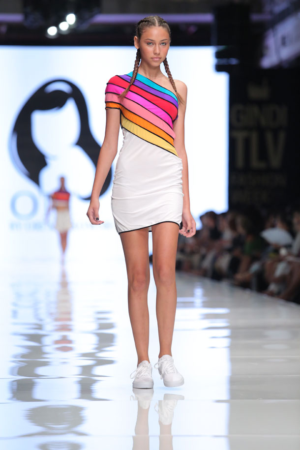 25 מערכות לבוש לצעירות חובבות אינסטוש. אורי מינקובסקי (צילום: אורית פניני)