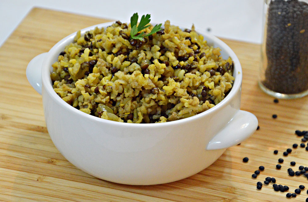 מג'דרה מאורז מלא עם עדשים שחורות (צילום: אפרת סיאצ'י)