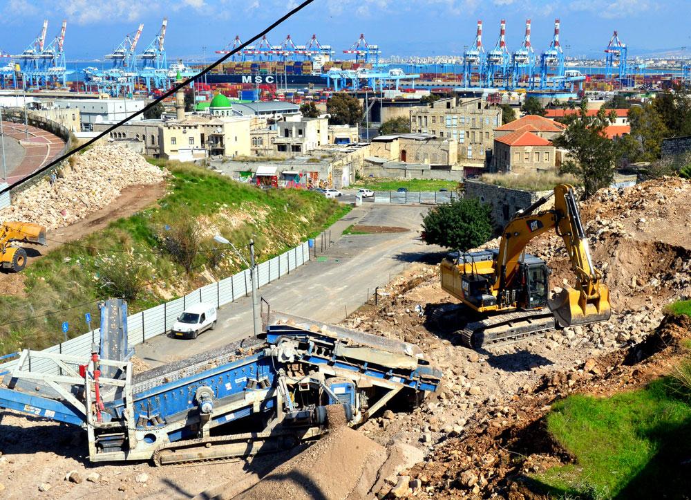 הפצע הפתוח של העבר הערבי נשאר בחיפה עד היום. עבודות לשיקום שכונת ואדי סאליב, אשתקד (צילום: צבי רוגר)