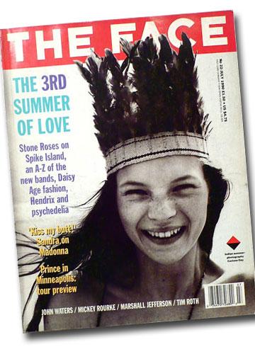 קייט מוס בצילום של קורין דיי על שער מגזין The Face בשנת 1990