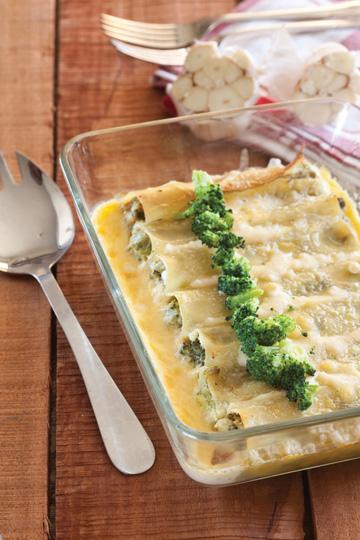 פרחי ברוקולי ושפע גבינות נהדרות כמילוי (צילום: כפיר חרבי)