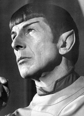 קפטן ספוק. לא מומלץ לשלב גולף עם אוזניים מחודדות (צילום: gettyimages)