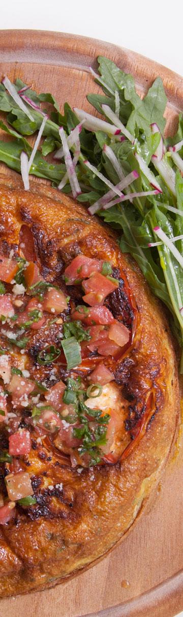 אומלט ספרדי עם עגבניות (צילום: חיים יוסף)