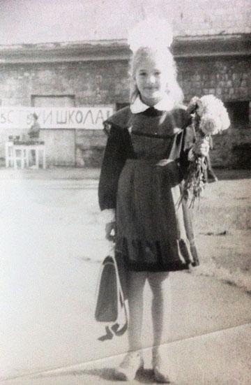 """בילדותה באוקראינה. """"לא סיפרנו שאנחנו יהודים"""""""
