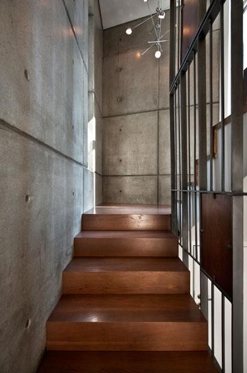 גרם המדרגות בתכנון ''מלכא אדריכלים'' (צילום: עודד סמדר)