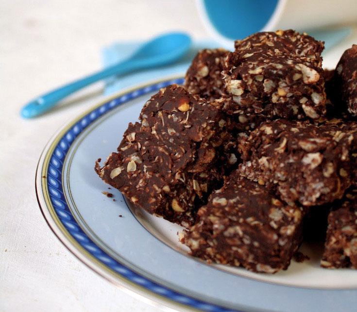 עוגיות שוקולד וחמאת בוטנים ללא אפייה (צילום: בישול בזול)