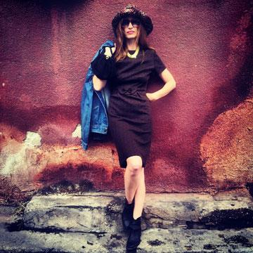 מיקי ממון. פריטי וינטג' של מעצבים בינלאומיים לצד בגדים חדשים של מעצבים ישראלים (צילום: מיקי ממון)