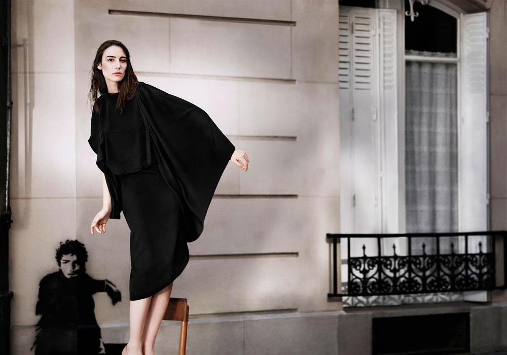 קולקציית הקפסולה של מרג'יאלה ל-H&M. אולי הטובה מבין כל שיתופי הפעולה של רשת האופנה (צילום: סאם טיילור ווד)