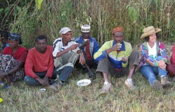 שושן והצוות האתיופי (צילום: באדיבות Fair Planet)