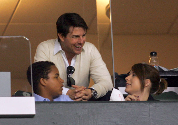 משפחה מסובכת. קרוז עם ילדיו המאומצים איזבלה וקונור, 2008 (צילום: gettyimages)