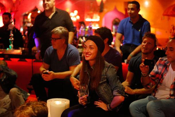 חבל שאני לא יודעת לשיר. אנה ארונוב בקהל (צילום: גיא כושי ויריב פיין)
