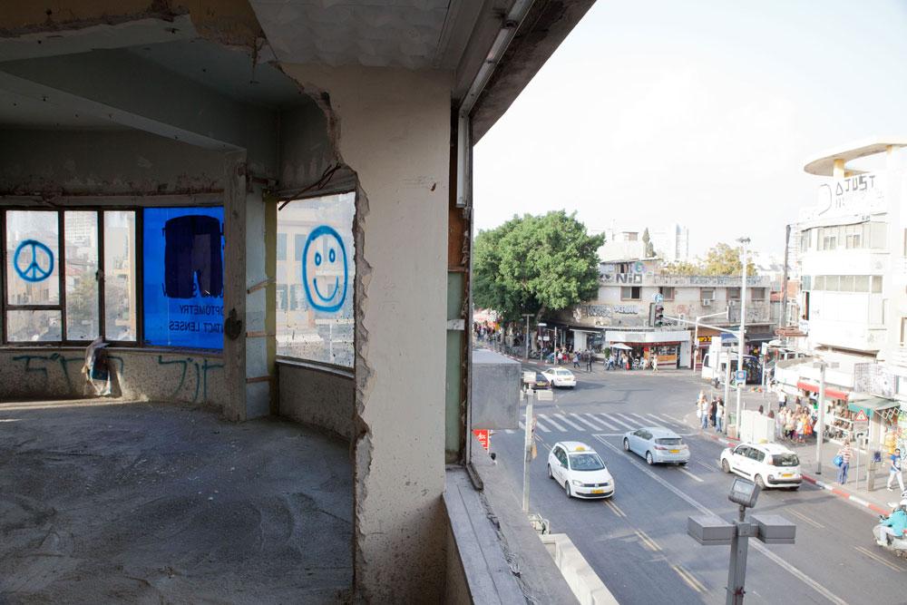 המיקום: מעל כיכר מגן דוד בתל אביב. תאריך היעד: עוד חצי שנה. העבודה עדיין רבה (צילום: דור נבו)