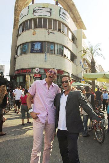 עם גיל ססובר (''קומדי סטור''), ממובילי הפרויקט: ''זו תהיה חגיגה'' (צילום: יוני רייף)