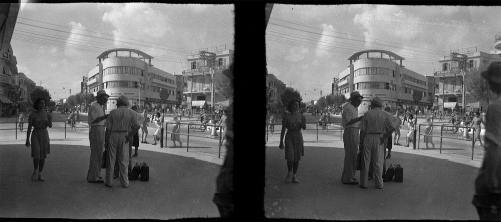 בית פולישוק, רחוב אלנבי 62 פינת נחלת בנימין, בתכנונם של האדריכלים שלמה ליאסקובסקי ויעקב אורנשטיין. נחנך ב-1934. אייקון עירוני, שראשיד הכיר עוד לפני הפרויקט