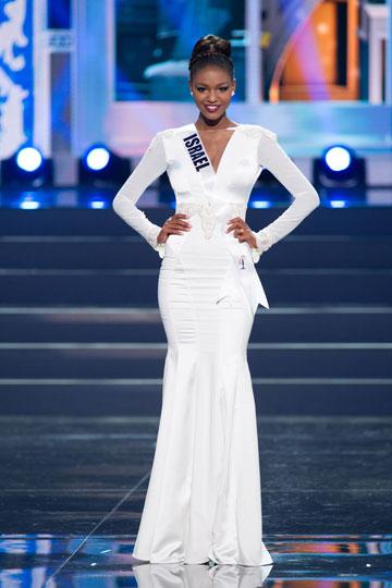 טיטי איינאו בתחרות מיס יוניברס (צילום: Darren Deker )