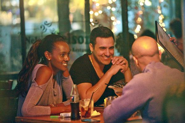 ערב רגוע במסעדה, מה רע? (צילום: אמיר מאירי)