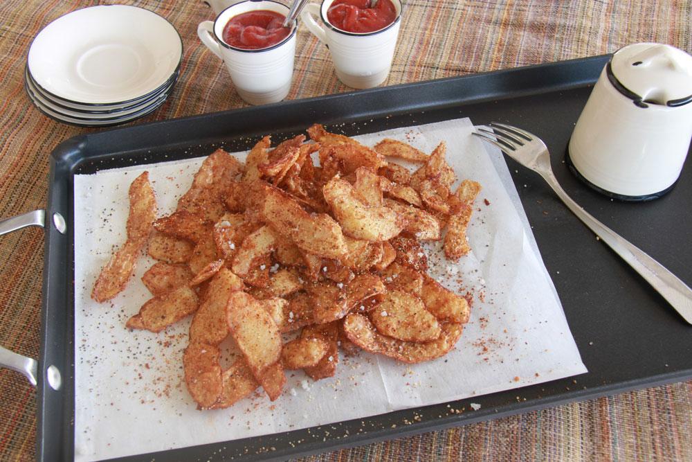 קליפות תפוחי אדמה מטוגנות (צילום: אסנת לסטר)