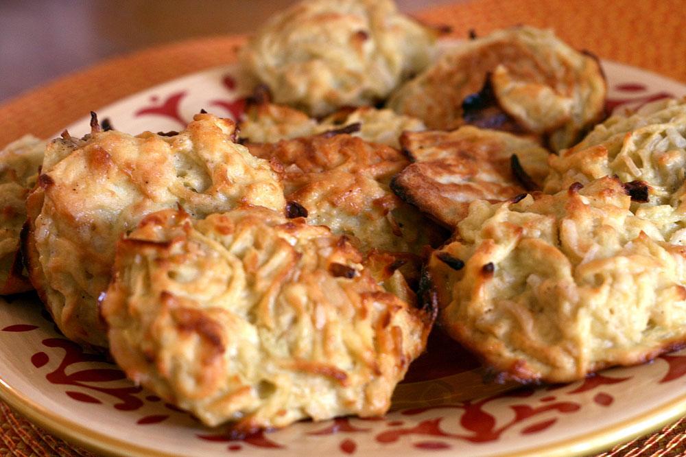 לביבות תפוחי אדמה  ובטטה אפויות . 60 קלוריות ליחידה (צילום: אבירם פלג)