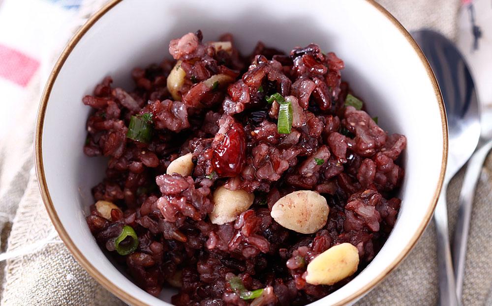 אורז בר עם חמוציות ושקדים (צילום: אפיק גבאי)