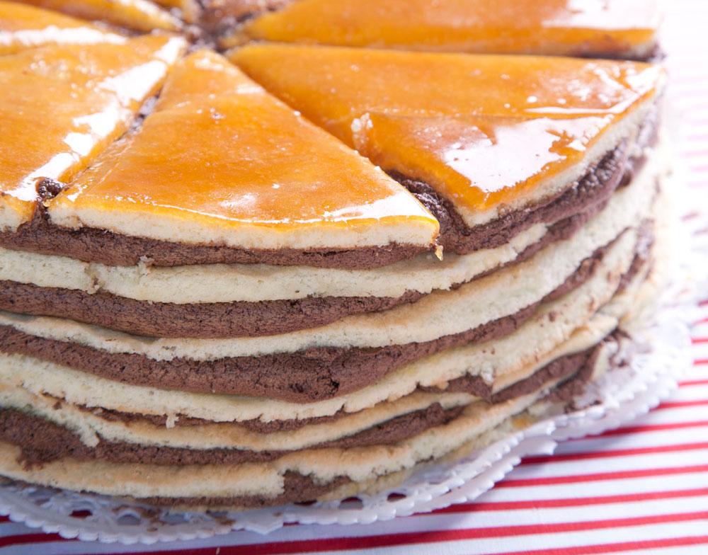 עוגת דובוש (צילום: דניאל לילה, מתוך הספר ''עוד סיר לשבת'')