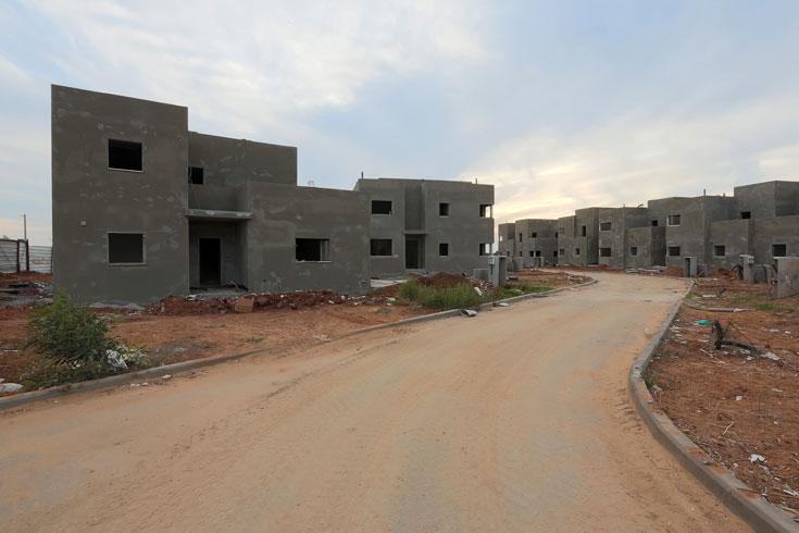 """מרחיבים את ההרחבה. """"כשיסתיים תהליך ההתחדשות"""", אומר האדריכל עופר ארז, """"יהיו בשפיים 112 בתים חדשים"""" (צילום: דור נבו)"""