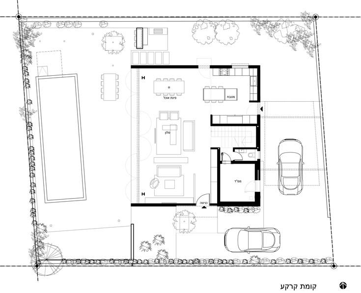 תוכנית קומת הקרקע, שבנויה כמעט ללא עמודים תומכים וצדה המערבי פתוח לחלוטין אל החצר האחורית והבריכה (תכנון: תמר יניב יעקבס)