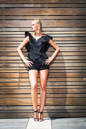 יריד וינטג'. בגדי וינטג', נעליים, תיקים ואביזרים חורפיים במתחם המעצבים של דיזנגוף סנטר (צילום: רן הלל)
