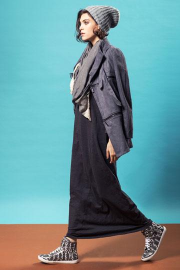 מיה וואלאס. 25 אחוז הנחה במכירת בלאק פריידיי של בוטיק האופנה החדש  (צילום: גלעד בר שלו)