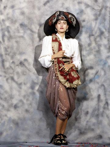 רונית אלקבץ בצילומים לטובהל'ה בשנות ה-80 (צילום: מירי דוידוביץ׳)
