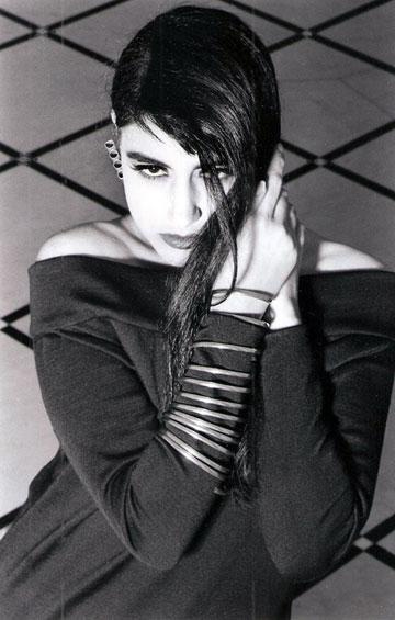 """אלקבץ בשנות ה-80. """"היא הדוגמנית המושלמת בעלת אלף הפנים"""", אומרת מירי דוידוביץ' (צילום: מירי דוידוביץ׳)"""
