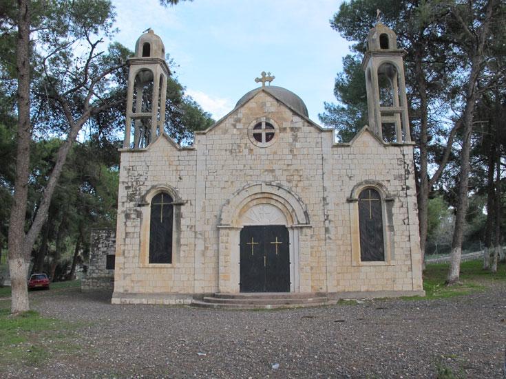 הכנסייה המשופצת של מעלול. לדברי היזמים, צה''ל התיר לפתוח אותה פעם בשנה, בפסחא. בשאר ימות השנה היא נעולה (צילום: מיכאל יעקבסון)