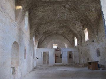 בתוך הכנסייה (צילום: מיכאל יעקבסון)