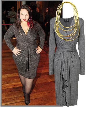 אמירה בוזגלו מוקפדת ויפה בשמלה מוצלחת של רונן חן (740 שקל) ובשרשרת (מושאלת, מושאלת) של ה.שטרן (49,151 שקל)