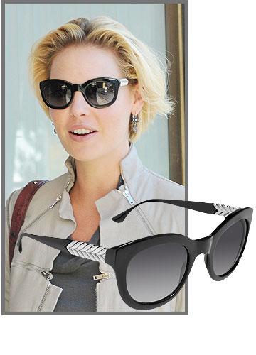 קתרין היגל מתחמשת במשקפיים של דיוויד יורמן לאופטיק דורון (4,000 שקל) (צילום: דור אהרון, splashnews)