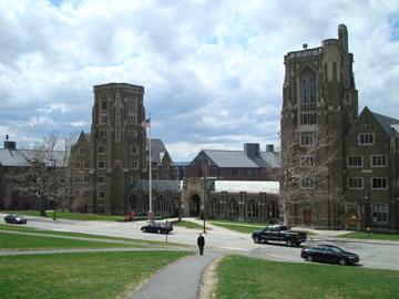 השותפה והמממנת: אוניברסיטת קורנל (צילום: Notyourbroom,cc)