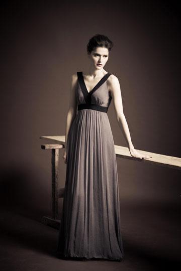 ארז עובדיה. עד 70 אחוז הנחה על שמלות מקולקציית 2011 (צילום: אלון שפרנסקי )