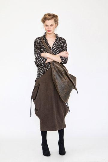 אלמביקה. 70-30 אחוז הנחה על הבגדים מקולקציית החורף (צילום: ינאי יחיאל)