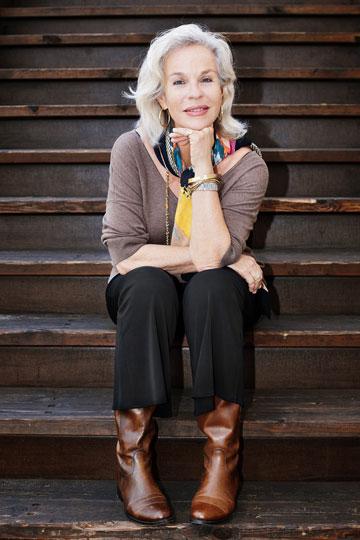 דניאלה פז-אורה לפני סיבוב הקניות. ''כמו בכל גיל, חשוב להבליט את מה שאוהבים ולטשטש את מה שפחות טוב'' (צילום: ענבל מרמרי)