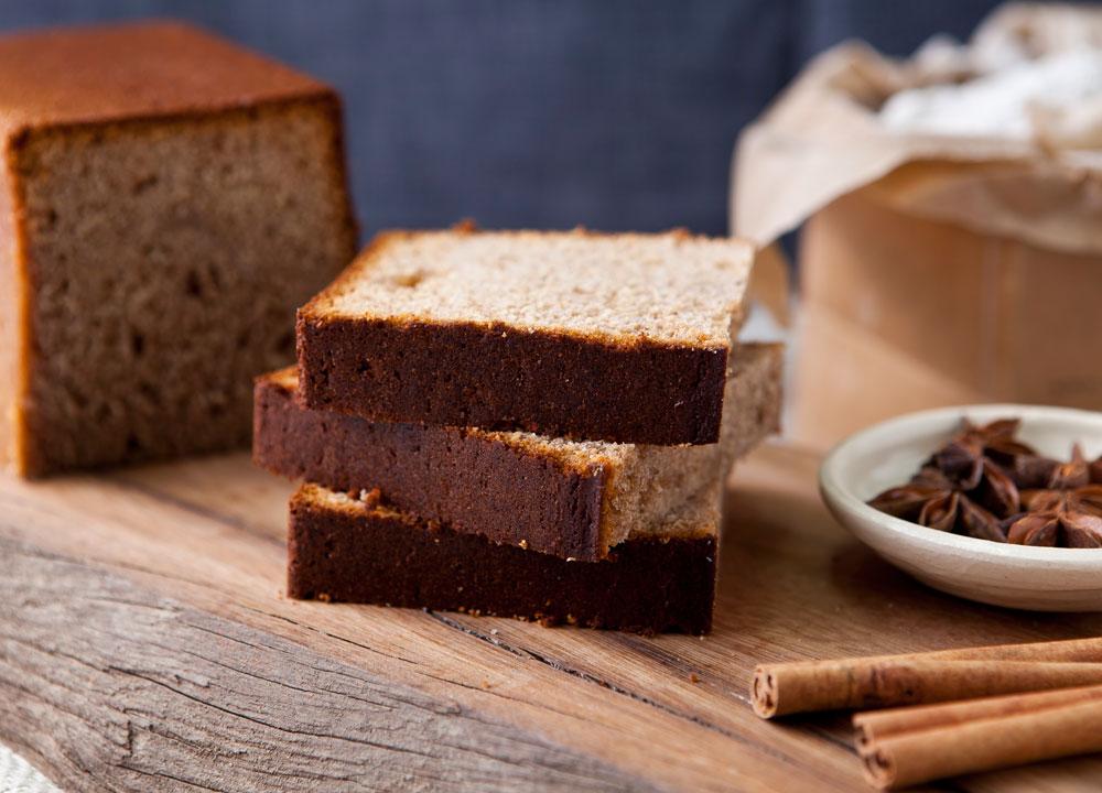 עוגת תבלינים (צילום: שירן כרמל, סגנון: שרון טמיר)