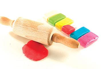 בצק סוכר או מרציפן צבעוני