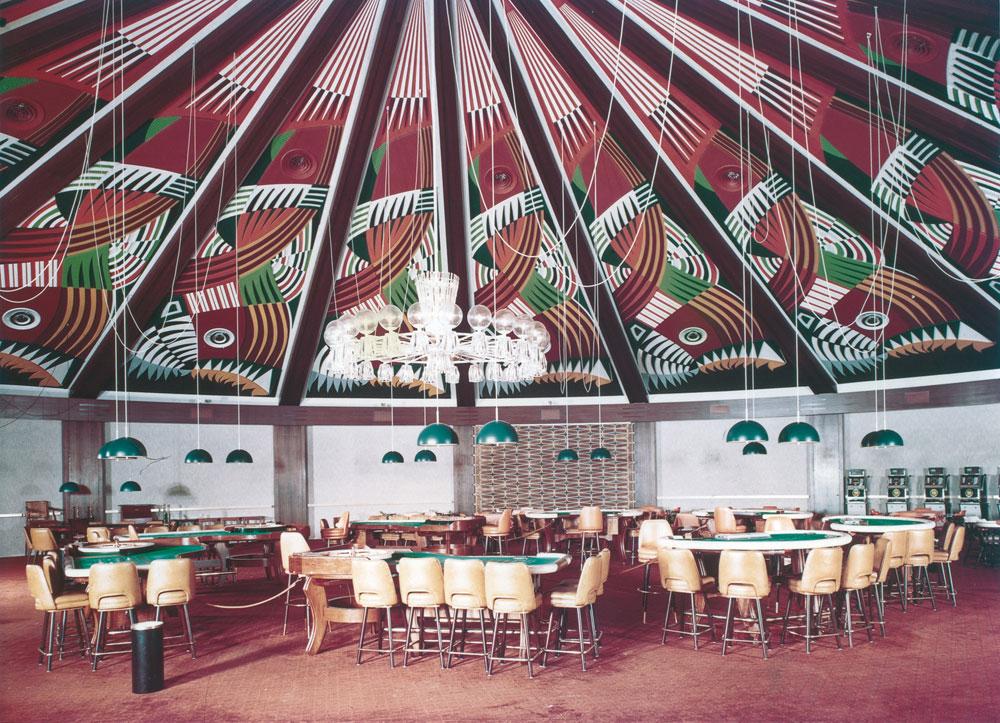 שולחנות ההימורים בקזינו של מלון איבואר, חוף השנהב (עיבוד תמונה: אבי חי)