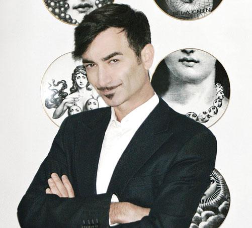 ''אני חייב להתלבש בנוח. אם לא יהיה לי נוח אתקשה לעבוד''. אסף זיו, המנהל האמנותי של שבוע האופנה גינדי תל אביב (צילום: b.deistler)