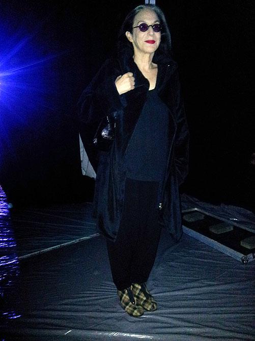 מעצבת האופנה דורין פרנקפורט מגיעה למתחם השוק הסיטונאי בנעלי בית (צילום: איתי יעקב)