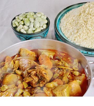 מרק ירקות עם פול (צילום: נועם דוד)
