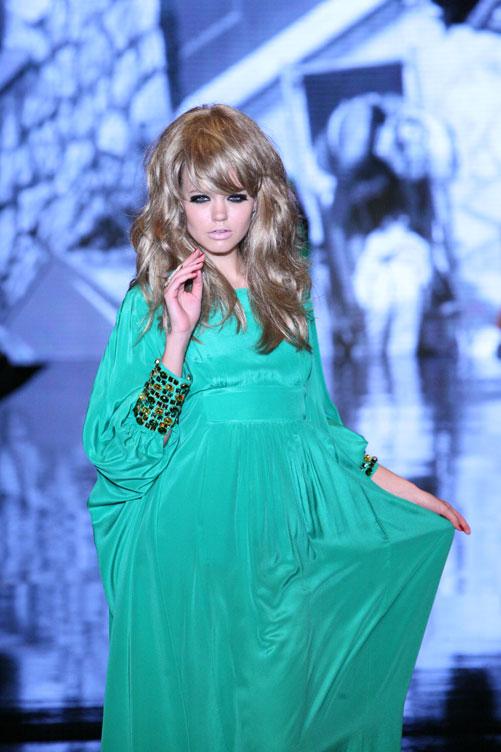 פתחה את היום השלישי. תצוגת האופנה של דורית בר אור (צילום: ענבל מרמרי )