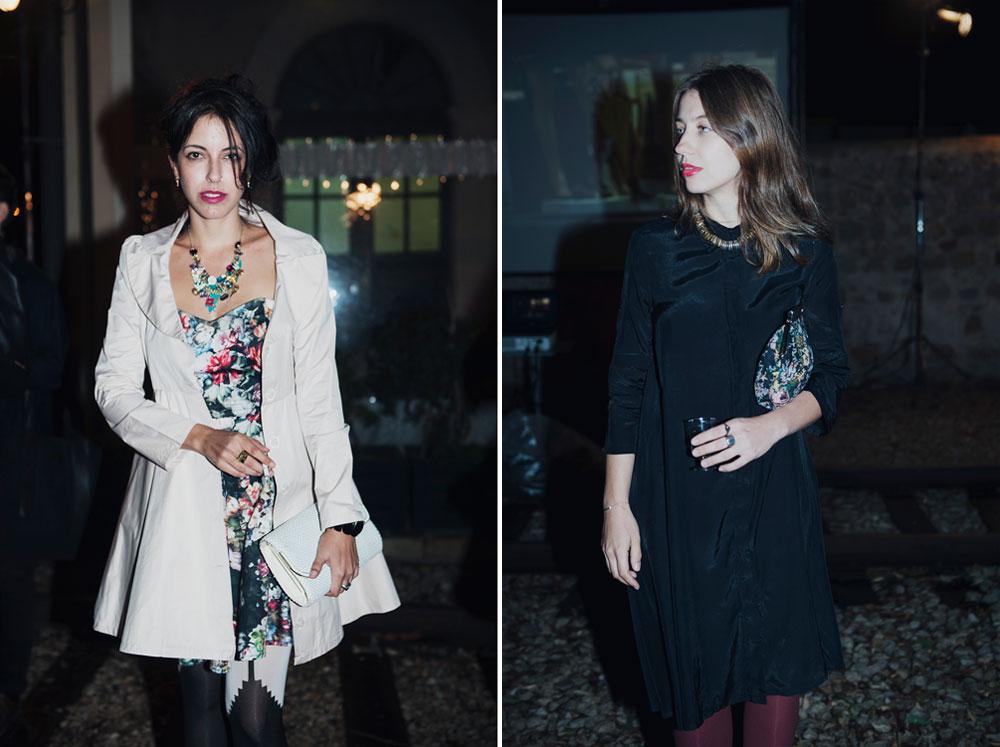 אנה קרפונוב (מימין): שרשרת: קסטרו; חולצה: הוניגמן; תיק :אלדו; נעליים: Fly London. מור באוור (משמאל): שמלה ומעיל: פיו פיו; גרבונים: מאיטליה; תיק: משוק הפשפשים (צילום: אלה אוזן)
