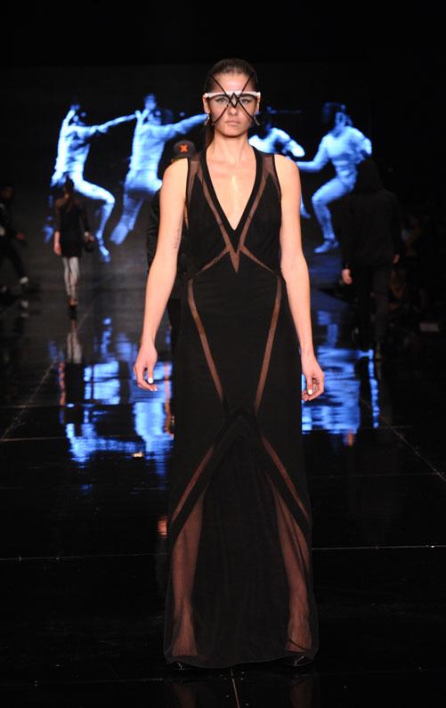 שיאו הראשון של שבוע האופנה גינדי תל אביב. התצוגה של יוסף (צילום: ערן סלם)
