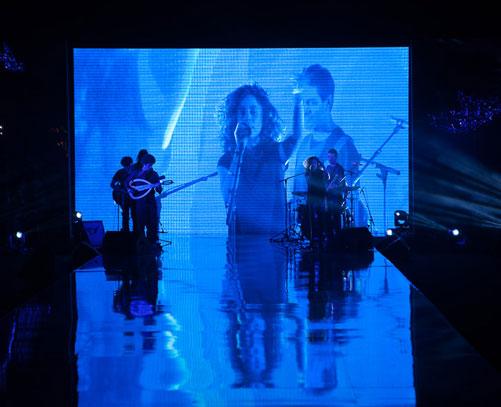 הופעה חיה. ריף כהן בתצוגה של אלמביקה (צילום:  טל ניסים)