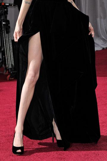 השסע המדובר בשמלה של אנג'לינה ג'ולי (צילום: gettyimages)