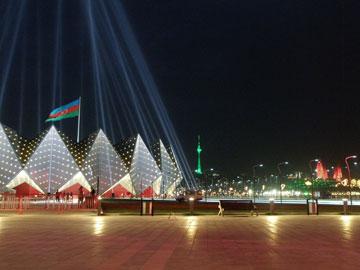 אולם הבדולח (קריסטל) בבאקו. בהשראת קרקס? (צילום:  Eurofestival, cc)